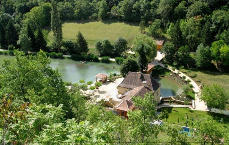 superbe moulin rénové sur une propriété de 12 ha avec piscine à vendre Dordogne