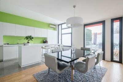 Acheter une grande villa d'architecte à Bordeaux St Augustin avec 5 chambres et une piscine