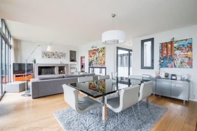 Acheter une villa récente à Bordeaux St Augustin avec 5 chambres et une piscine