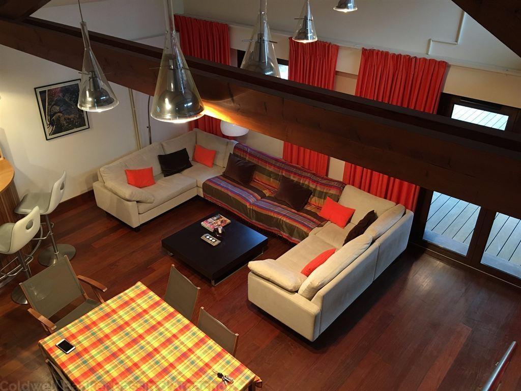 Villa en bois récente avec séjour cathedrale à vendre au Cap Ferret