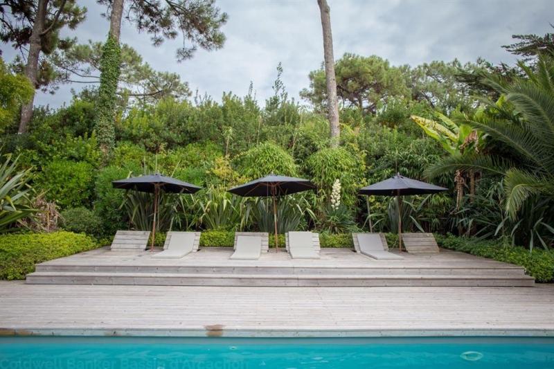 Grande villa d'architecte  avec piscine chauffée à vendre au Cap Ferret- Le Mimbeau