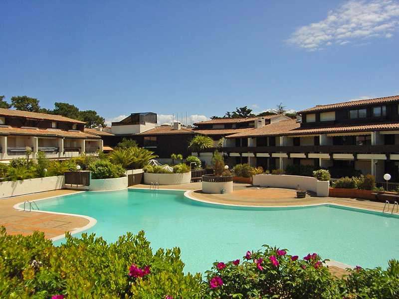 Location appartement 4 personnes dans résidence avec piscine centre cap-ferret