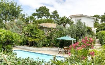 Belle villa moderne avec piscine en vente quartier des Abatilles à Arcachon