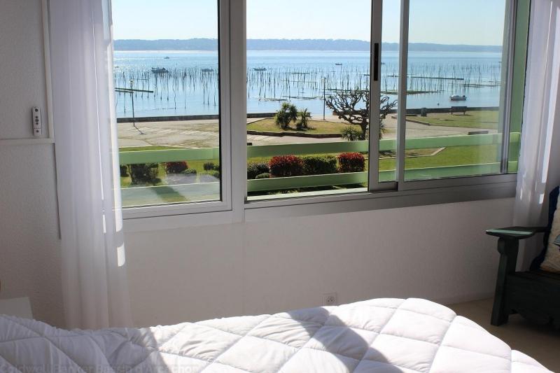 Coldwell banker loue au centre du cap-ferret bel appartement avec vue sur la mer