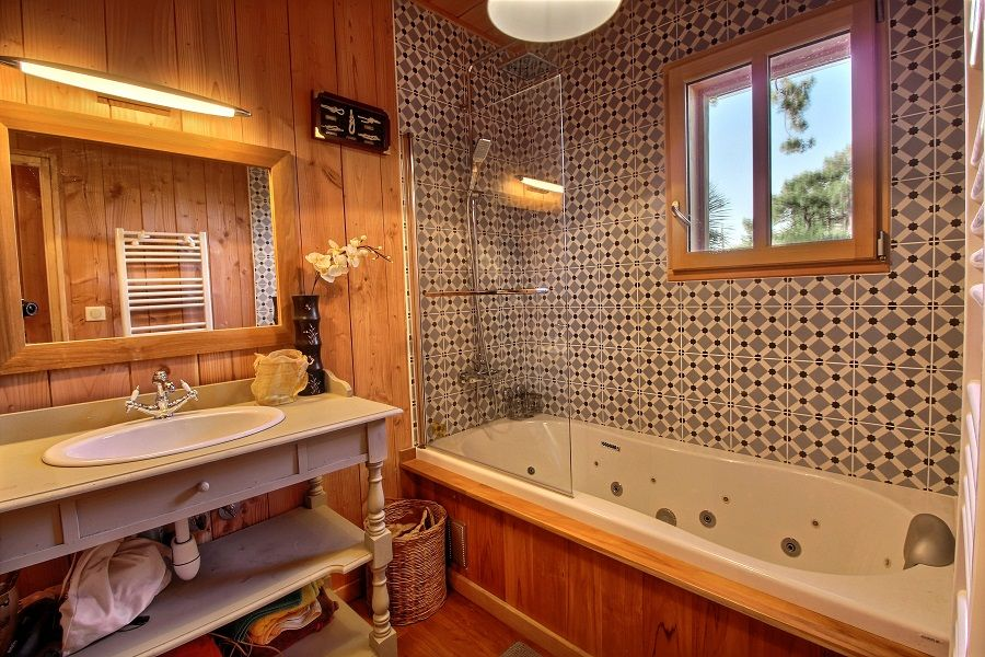 Location villa 4 chambres - neuve en bois - piscine chauffée - centre CAP-FERRET