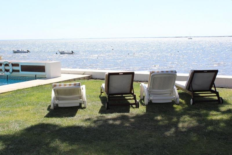 Locations de vacances tout confort pour 9 personnes sur le Bassin d'Arcachon vue mer et piscine chauffée