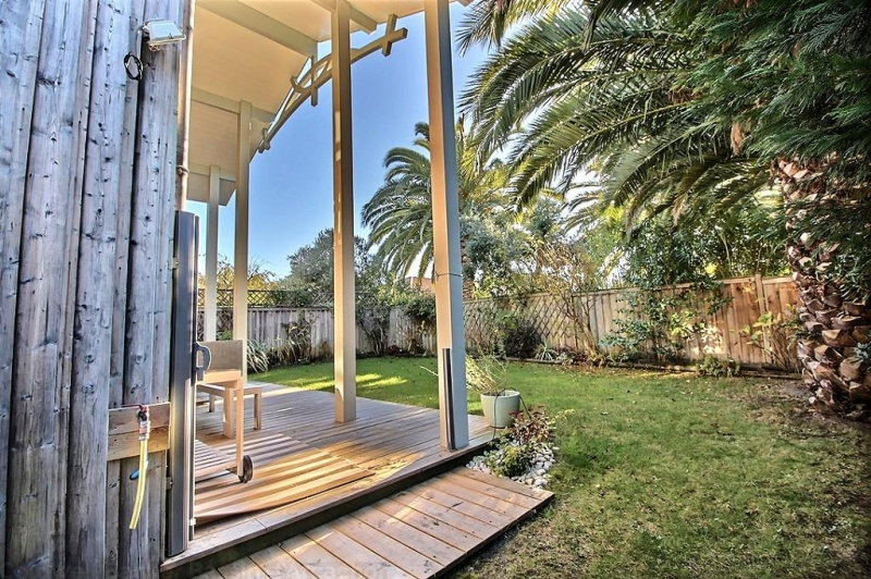 a louer jolie villa bardée de bois avec jardin Cap-ferret