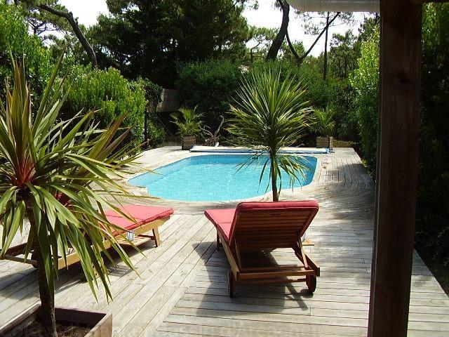 Location villa 3 chambres - 8 personnes - petit bijou avec piscine proche des plages dans un écrin de verdure CAP-FERRET