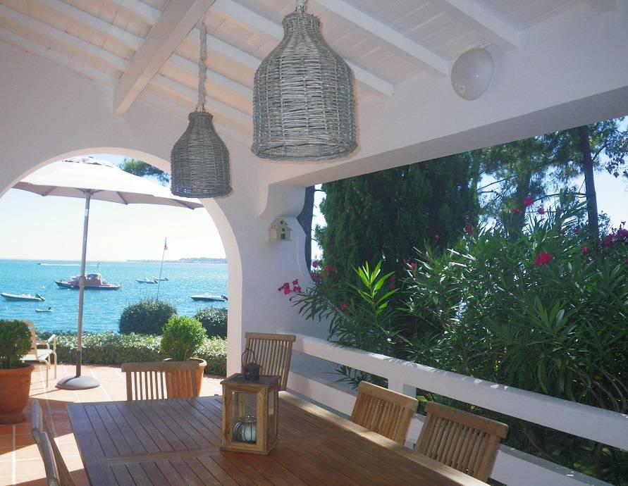 Location villa 5 chambres - 10 personnes - Première ligne Bassin près du port de la Vigne