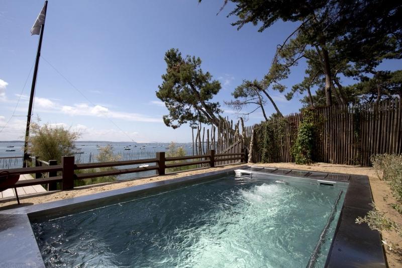 Villa de luxe en location saisonnière avec piscine et vue sur le bassin d'Arcachon