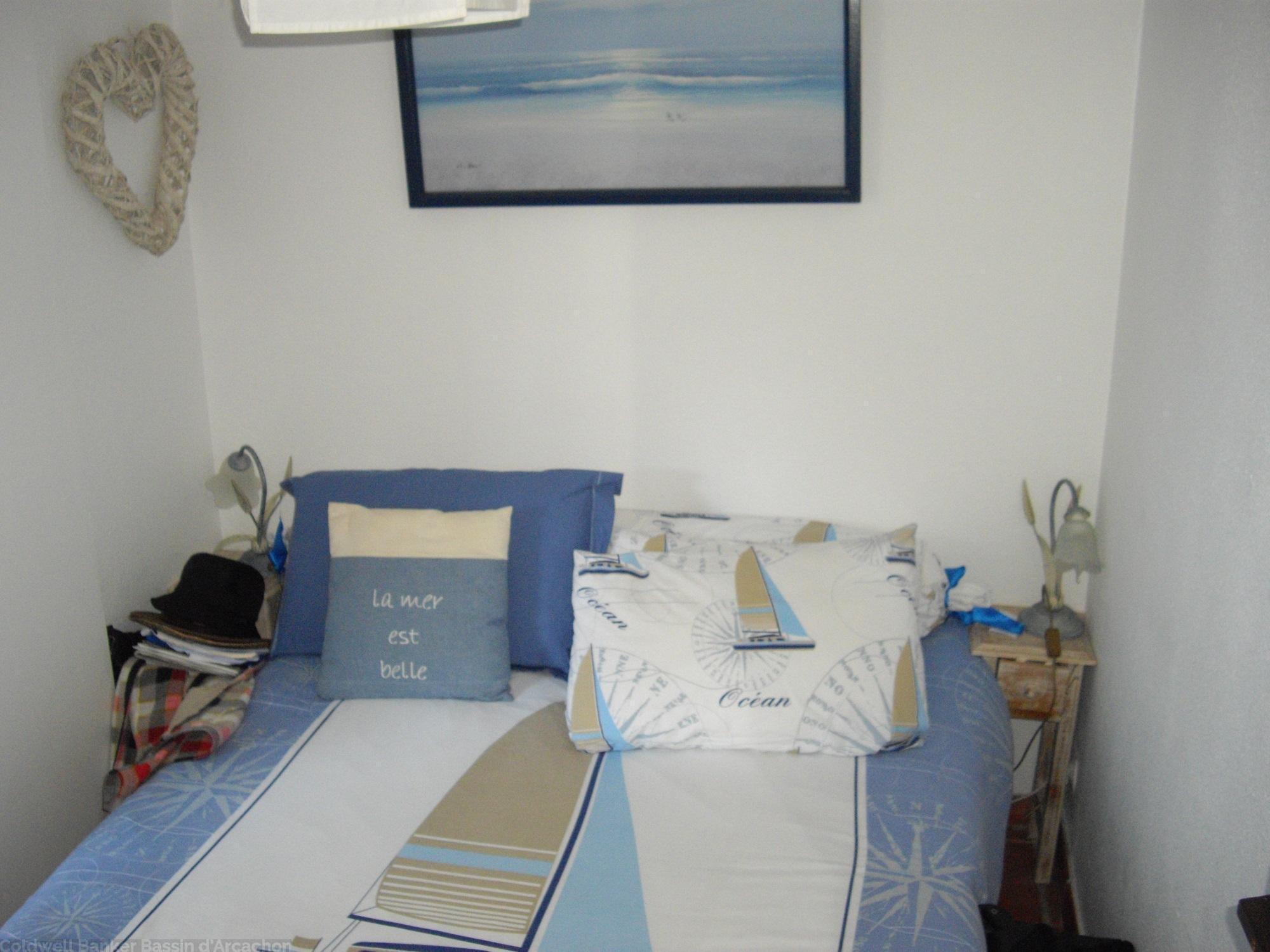 A louer avec 1 chambre appartement centre cap-ferret