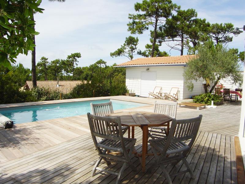 Agence Coldwell Banker loue superbe villa avec piscine proche du Cap-Ferret