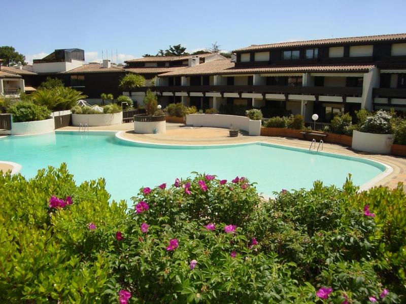 A louer dans résidence avec piscine Cap-Ferret centre
