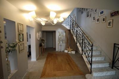 Acheter une grande maison familiale de 5 chambres à Bordeaux Cauderan avec piscine
