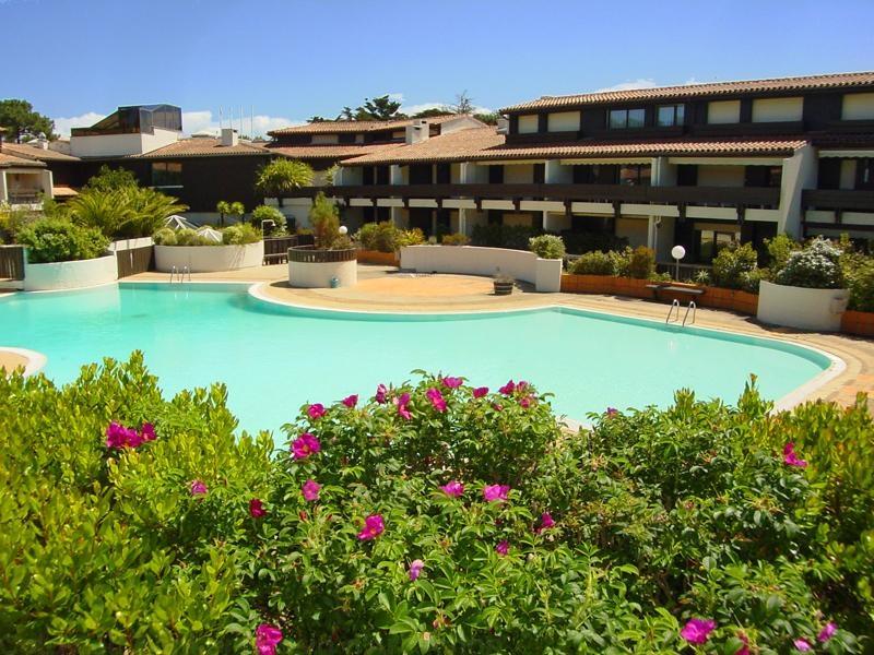 Location appartement T2 CAP-FERRET CENTRE 1 chambre - 4 personnes avec grande terrasse côté piscine