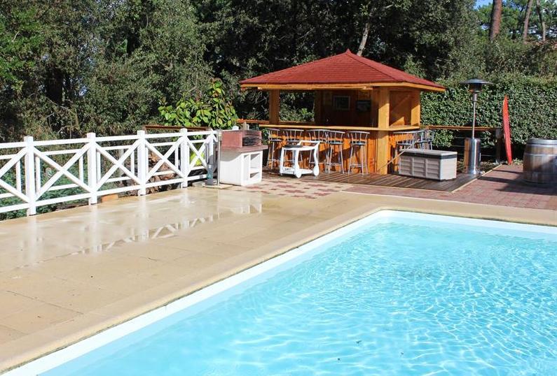 Pyla sur Mer villa avec piscine à louer calme 6 chambres