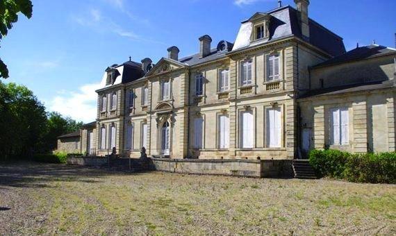 vente chateau domaine viticole proche bordeaux saint magne de castillon proximit saint. Black Bedroom Furniture Sets. Home Design Ideas