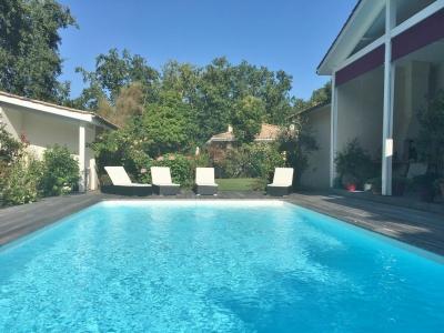 Vente maison familiale 4 chambres avec piscine chauffée 20 minutes de Bordeaux saint aubin de medoc