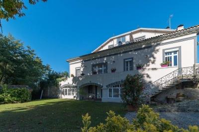 acheter grande maison 6 chambres sur grand terrain piscine proche de Bordeaux