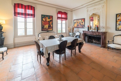 Vente Maison / Villa PROCHE BORDEAUX SAINT SYMPHORIEN Maison de maître rénovée sur un grand terrain avec piscine