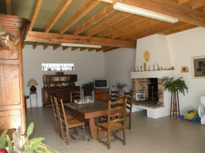 Vente Maison / Villa PROCHE BORDEAUX AVENSAN Villa contemporaine sur une grande propriété de 19 ha