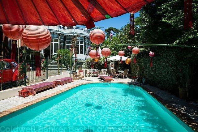 Superbe villa de 320m2 avec piscine et 11 chambres à vendre à Arcachon Pereire ville d'hiver