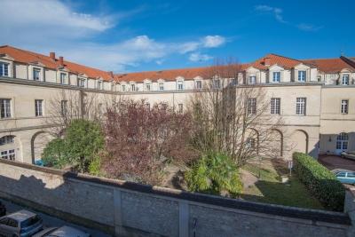 Hotel particulier 8 chambres a vendre à Bordeaux Pey-Berland