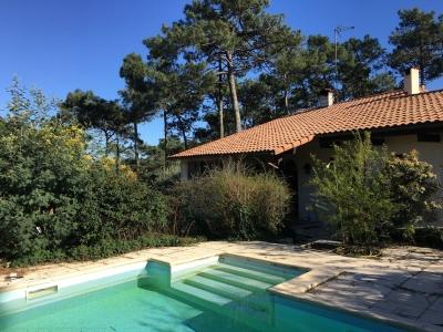 Villa à vendre - Lege Cap Ferret - Piraillan - 5 chambres avec piscine sur un grand terrain