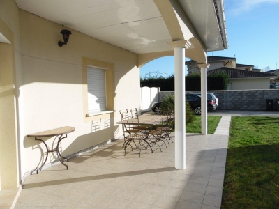 Vente villa contemporaine avec piscine proche commodités et transports LORMONT