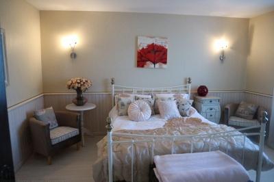 recherche jolie maison de campagne proche Bordeaux BLAIGNAC