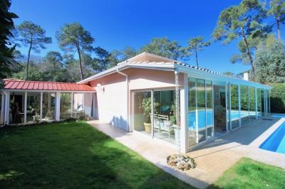 Villa de plain-pied à vendre à Pyla sur mer avec piscine