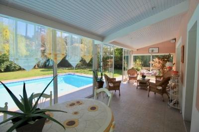 acheter une villa moderne à Pyla sur Mer avec piscine