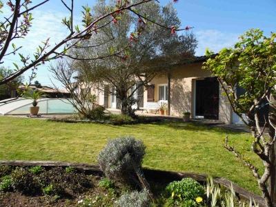 Maison à vendre à Pessac centre au calme 5 chambres  et piscine