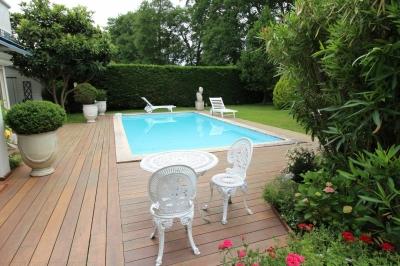 Villa familiale à vendre à bordeaux cauderan avec 4 chambres et piscine