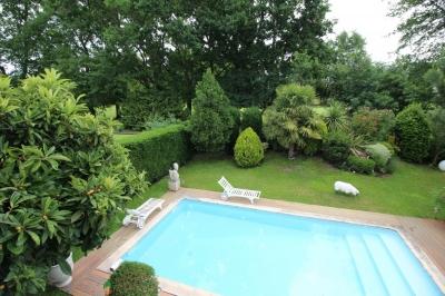 Maison familiale avec beau jardin, piscine, terrasse et pool house à vendre à bordeaux caudéran