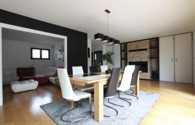 Maison moderne à vendre avec piscine, sauna et hammam près de Bordeaux