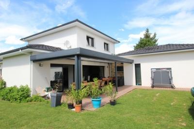 Maison moderne et familiale à vendre près de Bordeaux Bouliac