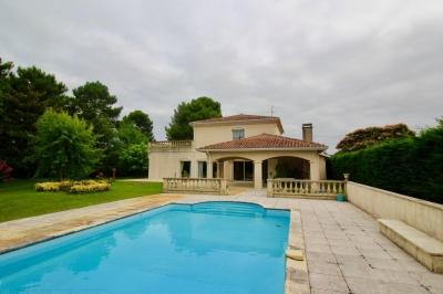 Vente maison villa proche bordeaux pessac pr s du golf for Piscine pessac