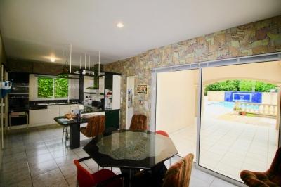 achat maison plus 250m2 avec piscine proche golf a pessac pres bordeaux