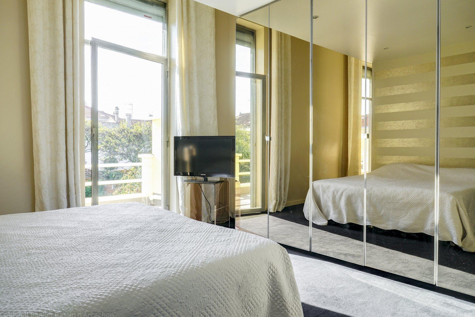 Achat hotel particulier 10 chambres avec piscine bordeaux saint augustin