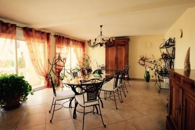 Exceptionnelle maison familiale de plus de 300 m2 à vendre proche Bordeaux LE HAILLAN