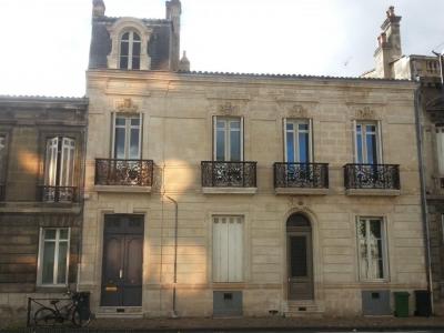 Appartement 5 chambres dans hôtel particulier a vendre a Bordeaux entre Barrière Saint-Médard et Barrière du Medoc