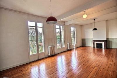Achat appartement 5 chambres dans hôtel particulier a Bordeaux entre Barrière Saint-Médard et Barrière du Medoc