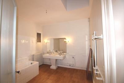 Recherche appartement 5 chambres dans hôtel particulier a Bordeaux entre Barrière Saint-Médard et Barrière du Medoc