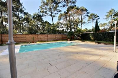 Vente villa avec 4 chambres et piscine village claouey lege cap ferret