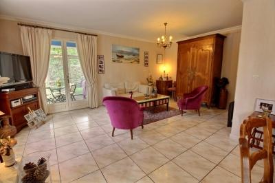 Villa avec 4 chambres et piscine a vendre village claouey lege cap ferret