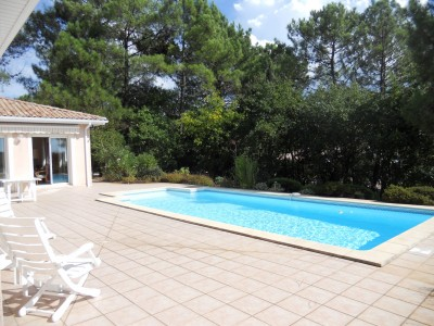 piscine récente villa pyla sur mer