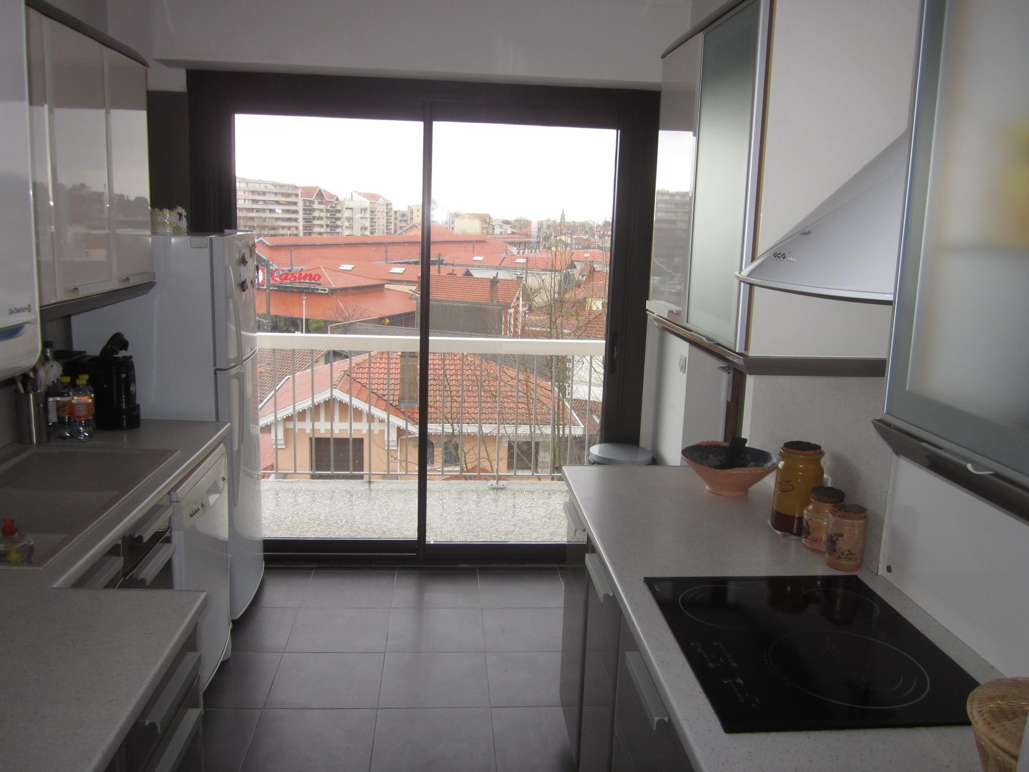 cuisine appartement T3 centre ville arcachon