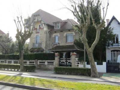 Villa proche commoditées en vente arcachon