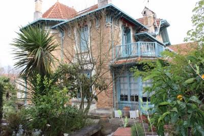 villa arcachonnaise en villa d'automne à vendre
